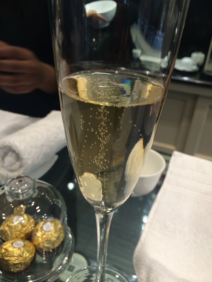 When in doubt just have Champagne and chocolates and all will be good.....hehehehe