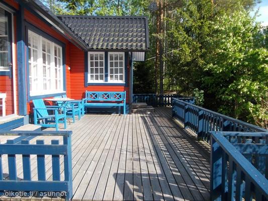 Myynnissä - Vapaa-ajan asunto, Ylikylä, Pori: huvila ja rantasauna - -, 29700 Pori - Asuntomaailma Lkv | Oikotie