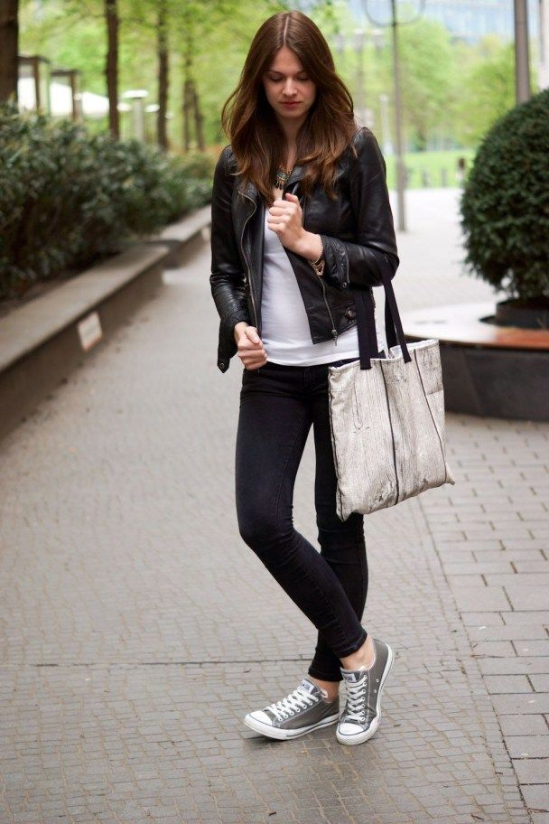 Brilliant Work Outfit Ideas With Sneakers 35 Grå konversation  Grey converse