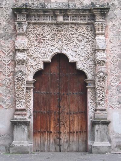 """Detalle de la puerta de la Capilla de la concepción o mejor conocida como """"La Conchita"""", Coyoacán."""