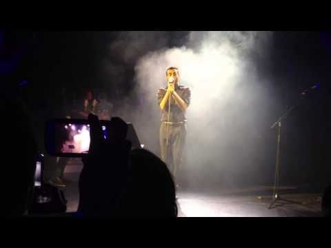 Marco Mengoni - video  L'Essenziale  12 luglio  2013 Disneyland Paris