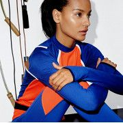 Celebrity trainer and Body by Simone founder Simone De La Rue teaches you how to best work out your upper body.