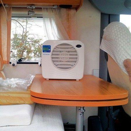 EUROM AC2400 (split) Airco Airconditioner voor caravan/camper MEGAKLAPPER!!!! (Tijdelijk geen verzendkosten!!) OP=OP | Airconditioner (Caravan/Camper) |