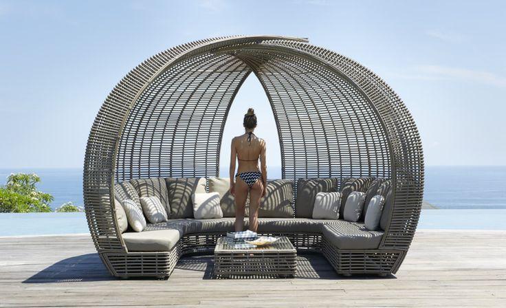 Беседка SPARTAN - одна из наших любимых моделей. Всегда на складе в Москве. 🌴🌴🌴🌴🌴Мебель выполнена из синтетического волокна REHAU, на алюминиевом каркасе. Модель дополнена подушками со съемными чехлами, из ткани SUNBRELLA #sunbrella 🌞🌞🌞🌞🌞 #skylinedesign #skldesign #skldr #outdoorfurniture #уличнаямебель #мебельизискусственногоротанга #садоваямебель #мебельдлягостиницы #мебельдляресторана #мебельдляулицы #sunbrella #horeca #хорека #rehau #мебельизротанга #мебельдлясада #лежак…
