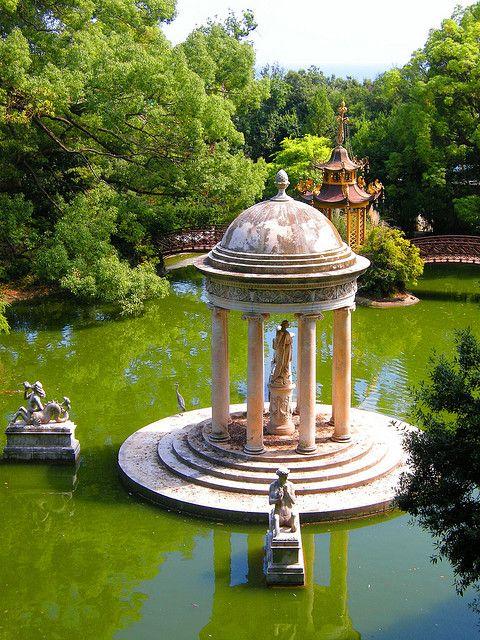 Tempio di Diana at Villa Durazzo-Pallavicini in Genova, Italy (by Mc Glen)., province of genoa, liguria region Italy