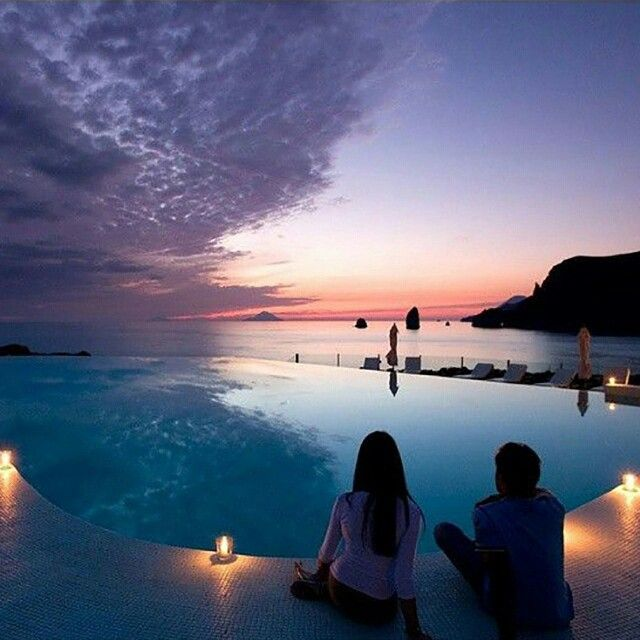 Le Spot Parfait #7 pour un moment en amoureux #lifestyle #travel #hotelswimmigpool #swimmingpool #piscine #hotelpool #couplesnight #hotelview #swimmingpooldesign #couplelove #hotelchillin #romantique #romanticnight #romanticplace #sunset http://hotel-avec-jacuzzi.fr