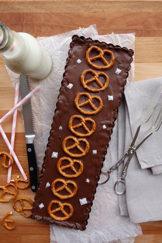 Brezel-Schokoladen-Tarte mit Erdnussbutterfüllung