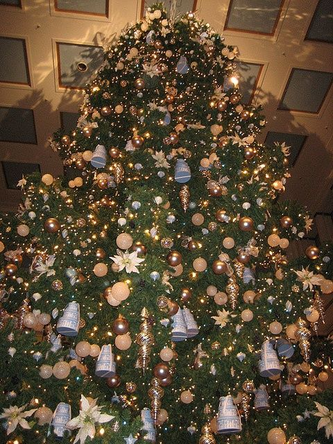 41 best Marshall, Macy's, Fields Walnut Room Christmas Tree images ...