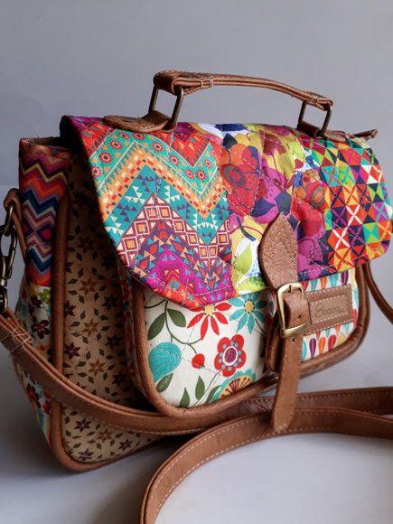 b54fd8768 Compre Mini-Bolsa Carteiro - Caramelo no Elo7 por R$ 150,00 ...