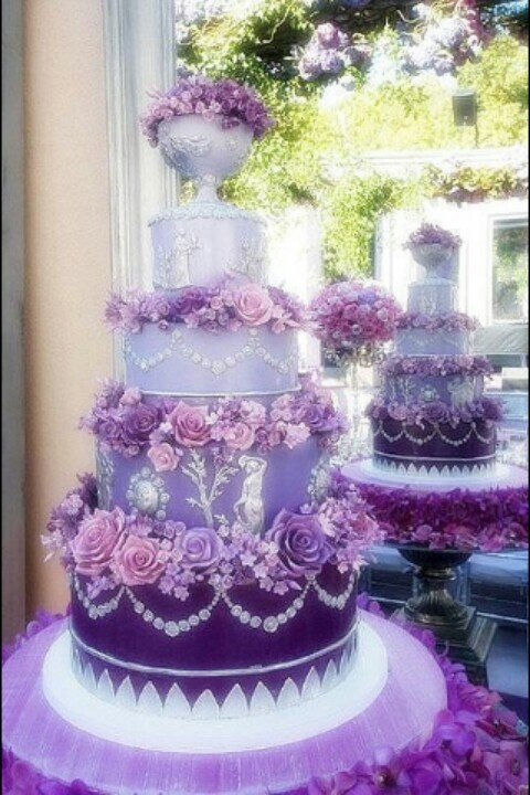 What an awesome cake!