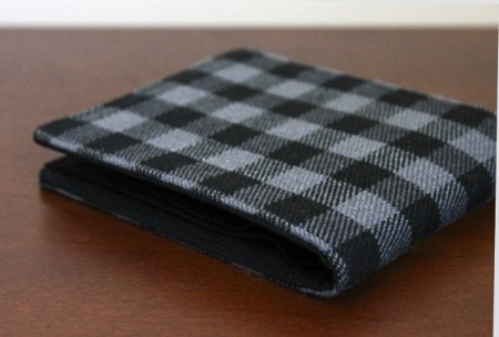 Men's Billfold Wallet.   Vintage Upcycled Flannel. Checks are always in fashion, and this wallet proves the point very aptly.