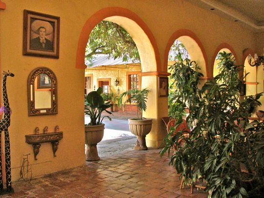 17 best images about spanish style living on pinterest for Mexican style architecture