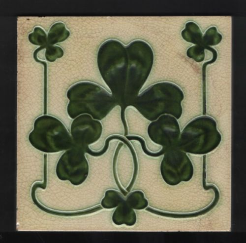 Design-Registered-1904-Antique-ART-NOUVEAU-SHAMROCK-CLOVER-TILE-JOHN-BARRATT