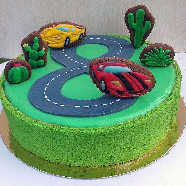 #подарок #тортназаказ #тортбезмастики #заказторта #муссовыйторт #евроторт #шоколадныйторт #тортгонки торт гоночные машинки