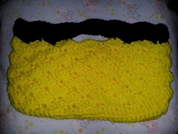 Black And Yellow Shell Purse by MamaKatCrochet on Etsy, $12.50