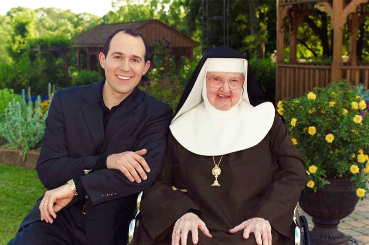 Raymond Arroyo on Mother Angelica: What is it like to know a saint?