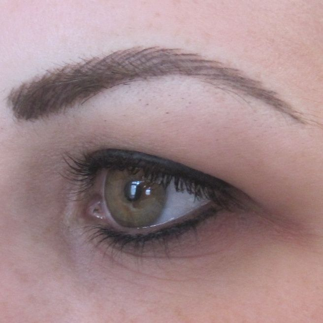 Celebrities with semi permanent eyebrows bing images for Tattooed eyebrows pictures