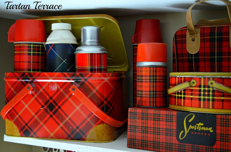 TartanTerrace: Austin, America  Wonderful collection plaid thermoses and lunch boxes.