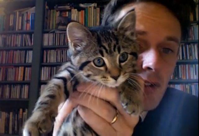 English tenor, Ian Bostridge with his kitten. KITTENNNN!!!!!