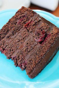 DAMLA ÇİKOLATA: Yoğun Çikolatalı Vişneli Pasta