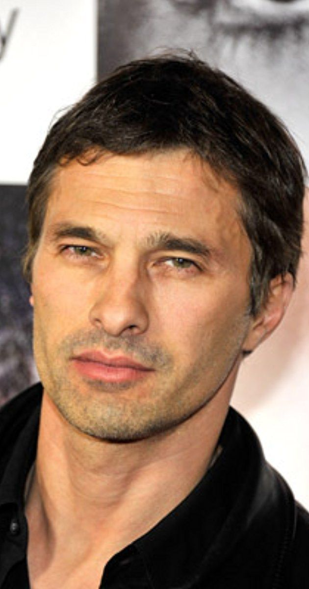 Olivier Martinez, Actor: Unfaithful. Olivier Martinez comes from a working-class family, raised in the Paris suburbs. He left school at an early age, holding various pick-up jobs such as salesman for jeans. Friends urged him to try acting, and at age 23 he enrolled in the International Conservatory of Paris. After several television shows, he reached the international market with The Horseman on the Roof (1995), billed in his ...