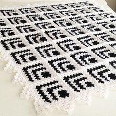 ❤️Mutlu pazarlar❤️#günaydın ❤️#yünbattaniye #hementeslim ❤️115x115 ❤️#lanosabonita ile #örüldü ❤️#dizbattaniyesi #tvbattaniyesi #örgübattaniye #battaniye #koltukortusu #koltukşalı #bebekbattaniyesi #homedecor #homesweethome #beşiktaş #blanket #crochet #crocheting#hanımdilendibeybegendi #model