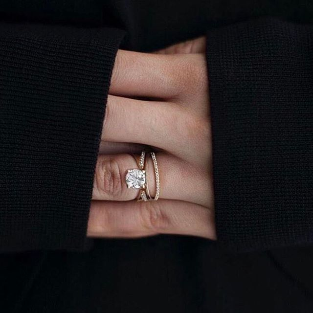 •DIAMOND • This beautiful creation by @katkimfinejewlry • #diamonds #engagementring #ring #inspiration  #Regram via @onedaybridal
