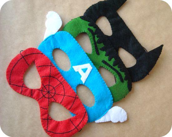 Mascaras de super héroes para regalarle a los niños invitados a la fiesta de cumpleaños de la peque