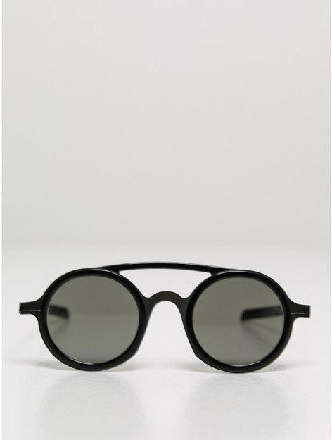 mykita / damir doma dd03 sunglasses in black | Oak NYC