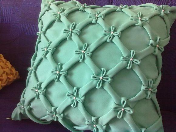 capa de almofada capitonê florzinha                                                                                                                                                                                 Mais