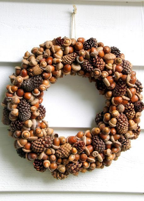 18 brilliant inspirations for beautiful autumn wreaths with chestnuts and nuts