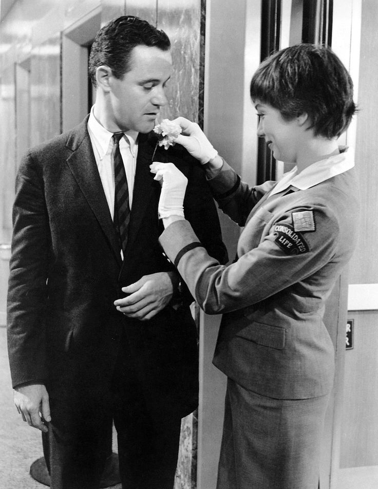 """Jack Lemmon, Shirley MacLaine in """"The Apartment"""" (1960). DIRECTOR: Billy Wilder."""