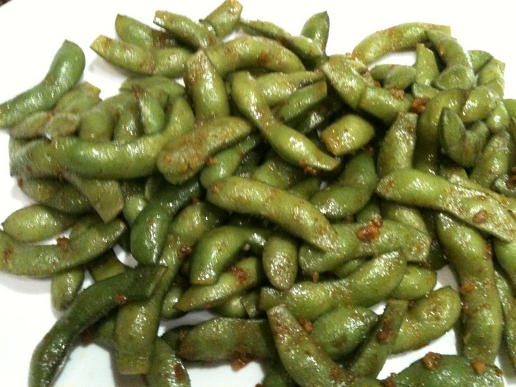 """Freaky Edamame"" ~ Tried to make it like Mikuni and this was as close as I could get. Heat 1-2T sesame oil over med-high heat. Add edamame (fresh, not frozen, ends snipped) stir fry 2-3 min. Lower heat to med, add 2 cloves minced garlic and 2-3 pinches of sea salt and cayenne pepper. Stir fry another 2-3 min. Serve warm. Spicy and YUMMY!: Salad, Sesame Oil, Recipe, Garlic, Bean, Green, Name, Green Bean, Edamame"