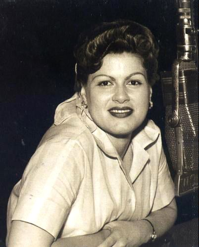 HONKY TONKIN' GOOD TIME: 'Always… Patsy Cline' is packed ...