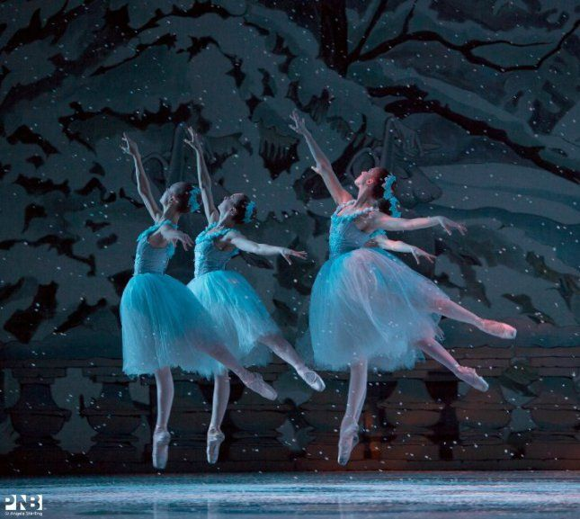 "Waltz of the Snowflakes, ""The Nutcracker"", Pacific Northwest Ballet © Angela Sterling"