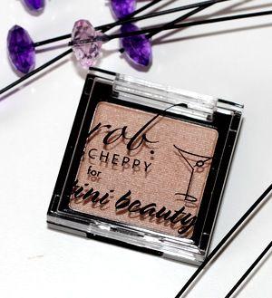 April Violet Box 2015 - Tini Beauty Eyeshadow