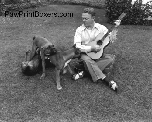 1947 - James Cagney and his 3 Boxer dogs