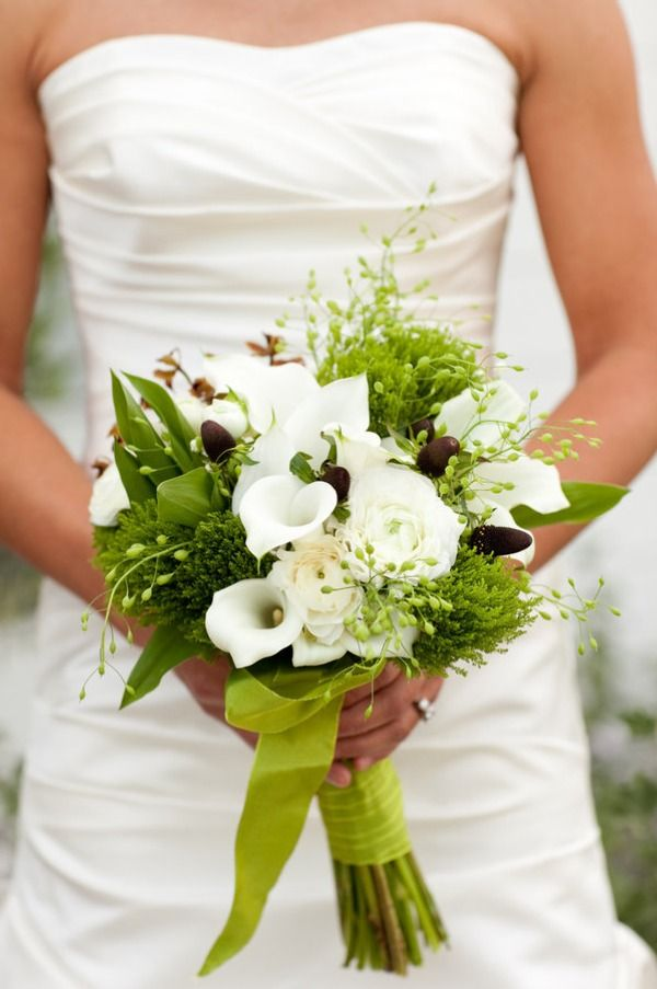 Callas with lots of greens: an unexpected bridal bouquet. (Jesse Leake Photography; floral design by Sillapere)