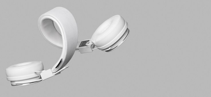 LISTEN-ALL-DAY FIT The 3D Hinge gives your headphones some impressive flexibility so they can adapt to the shape of your head for a perfect fit.