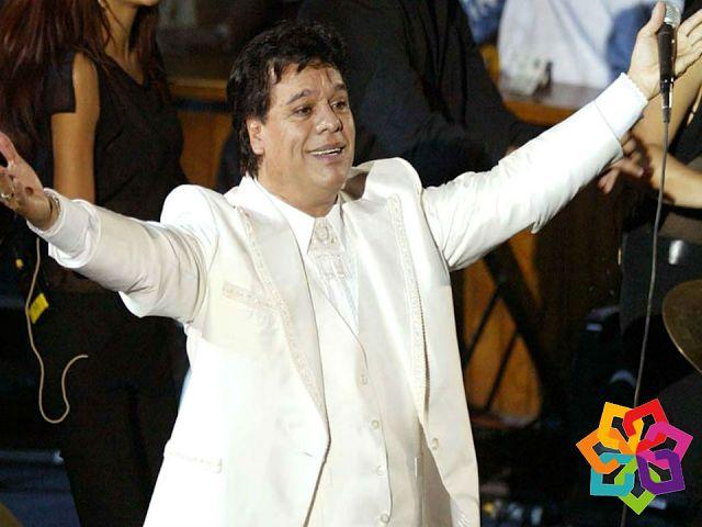 """MICHOACÁN MÁGICO. Alberto Aguilera Valadez, conocido internacionalmente como """"Juan Gabriel"""", nació en Parácuaro Michoacán en enero de 1950. Este cantautor es uno de los mayores representantes de la música mexicana desde la década de los 70. Actualmente, sigue deleitando a millones de seguidores con sus éxitos. Le invitamos a visitar Parácuaro hogar de uno de los más grandes cantantes de México. HOTEL LA CASITA http://hotellacasita.com.mx"""
