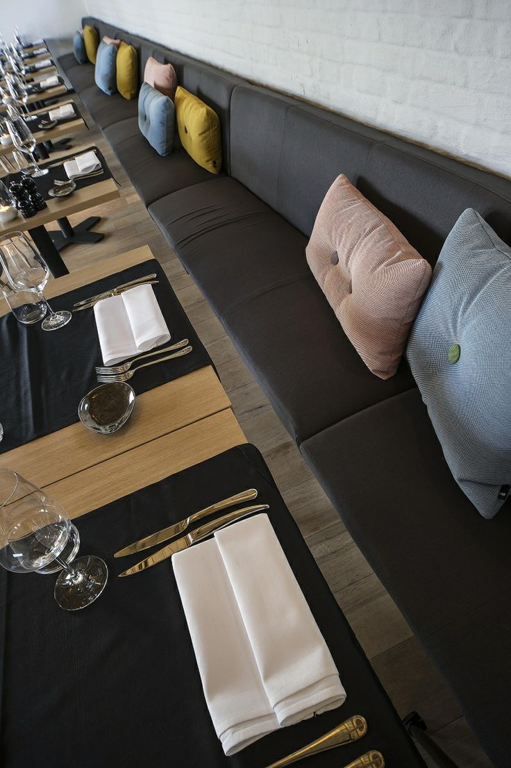 papinglo restaurant 12 25s dice wall hospitality dark prolicht buroproject - Beaded Inset Restaurant Interior