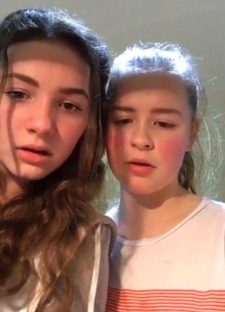 Isobel and Rosie on insta live {2017}