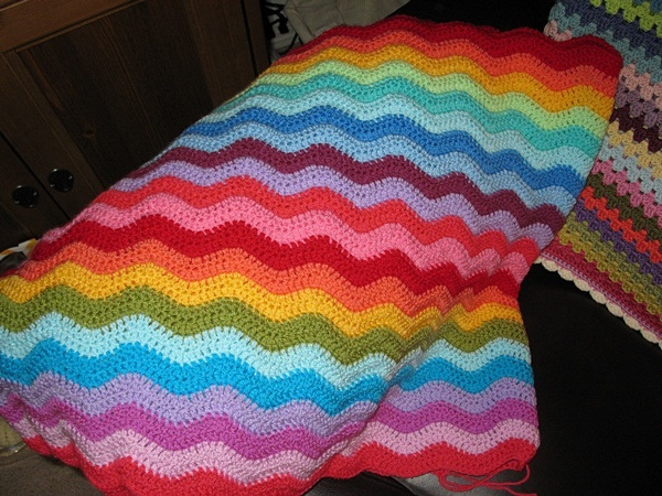 Knitting Pattern Rainbow Blanket : 25 best images about Rainbow Knit Blankets on Pinterest ...