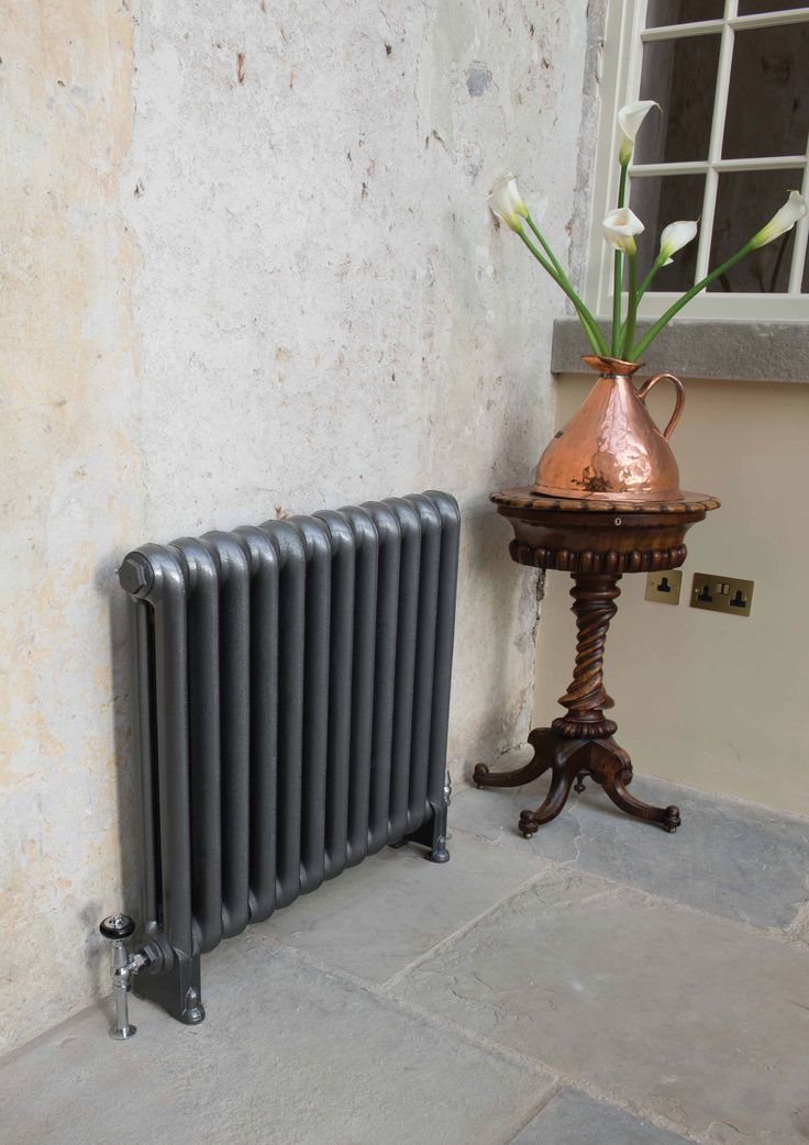 The Cromwell is a typical traditional Victorian cast iron radiator. Its simple design gives a contemporary feel. The photo shows the Cromwell in the foundry grey