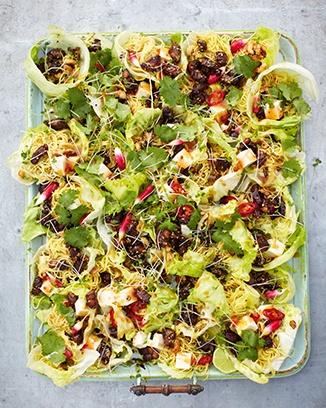 Jamie Oliver 15 minute Meals - Crispy duck, hoi sin lettuce parcels. Oh Jamie I love you!!!!!!