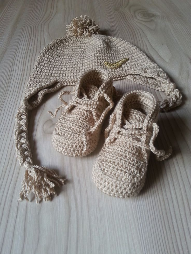 En güzel örgü nike spor bebek patikleri,converse bebek patikleri ,sneakers ayakkabı patik modelleri tavşan bebek patiği modellerini bu başlıkta bulabilirsiniz. Erkek bebekler için en çok bu spor pa…