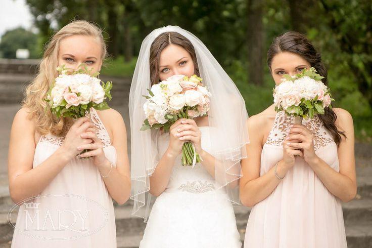 Букеты для подружек невесты.