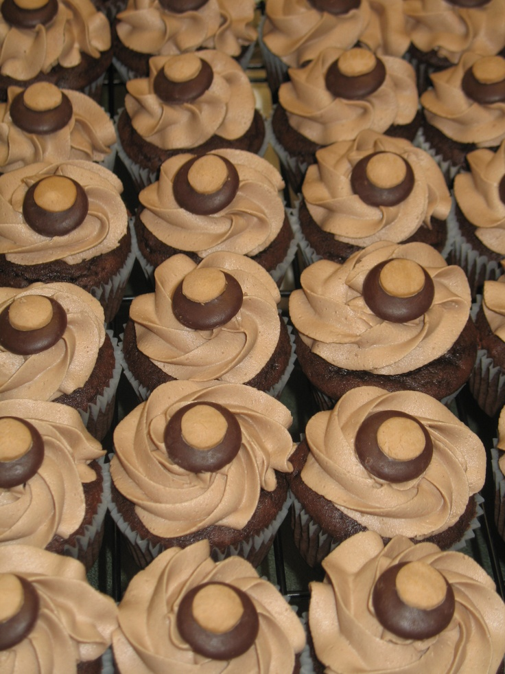 buckeye cupcakes: Pound Cakes, Buckeye Cupcakes, Buckeyes Cupcakes, Desserts Recipes, Baking, Buckeyes Desserts Tables, Football Season, Cupcakes Rosa-Choqu, Quick Desserts