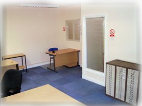Office to let in Romford