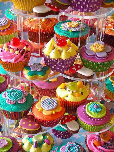 Cup cakes...lots of colorful flowers
